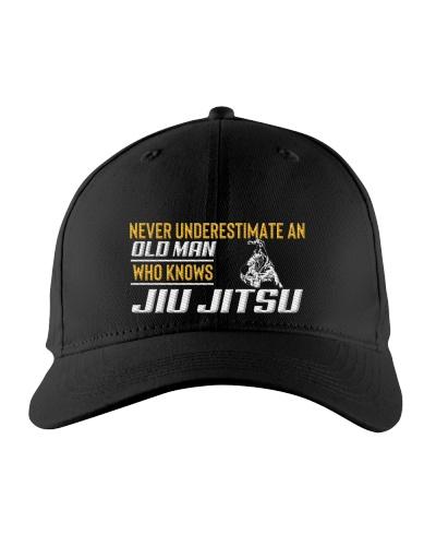 Old Man Knows Jiu Jitsu