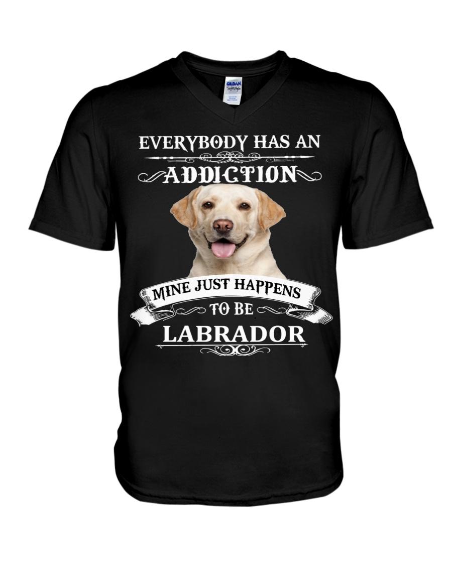 I LOVE LABRADOR V-Neck T-Shirt