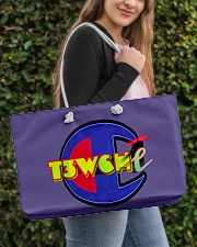 T3wT3w handbag Weekender Tote aos-weekender-tote-24x13-lifestyle-front-04