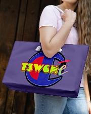 T3wT3w handbag Weekender Tote aos-weekender-tote-24x13-lifestyle-front-05