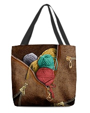 Yarn All-over Tote back