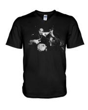 los meros berner AND b real shirt V-Neck T-Shirt thumbnail