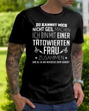 ICH BIN MIT EINER TATOWIERTEN FRAU ZUSAMMEN Classic T-Shirt lifestyle-mens-crewneck-front-7