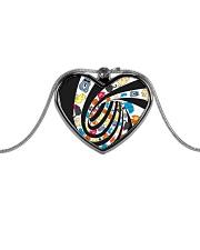 Cat spin - JY Metallic Heart Necklace thumbnail