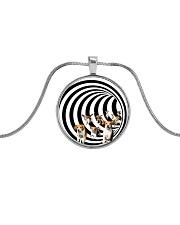 Eddy beagle - JY Metallic Circle Necklace front