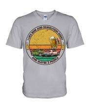 i like beer demolition derby V-Neck T-Shirt tile
