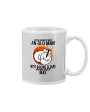 05 boxing old man Mug tile
