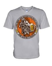 i like beer motorcycle drag racing V-Neck T-Shirt tile