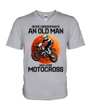 08 hat motocross old man  V-Neck T-Shirt tile