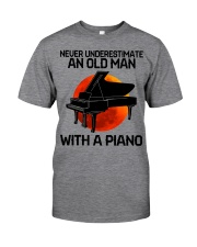 09 hat piano old man Classic T-Shirt tile