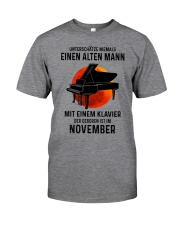 11 piano old man german Classic T-Shirt front