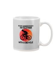 07 hat cycling old man  Mug tile
