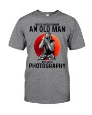 09 hat camera old man Classic T-Shirt tile