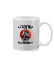 09 hat camera old man Mug tile