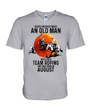 08 Team roping old man V-Neck T-Shirt tile