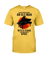 04 piano never old man Classic T-Shirt front