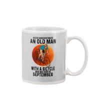 09 cycling old man color Mug tile