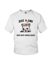 I LOVE FRENCH KISSES Youth T-Shirt thumbnail