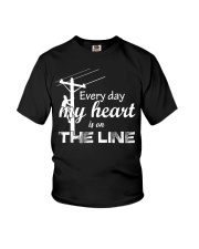 Every day my heart is on the line Youth T-Shirt thumbnail