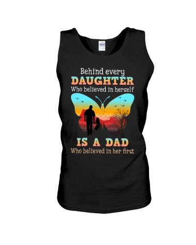 Dad behind daughter shirt