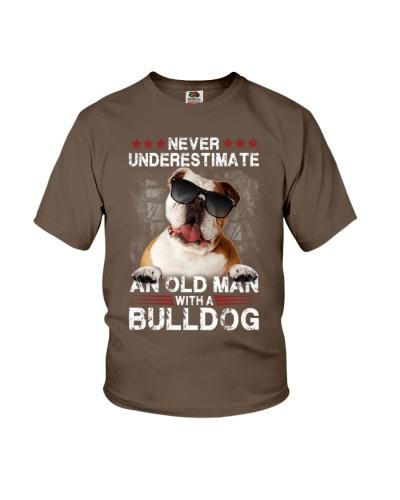 Bulldog underestimate an old man