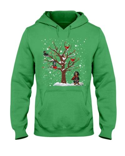 Dachshunds winter tree