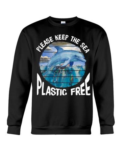 Dolphin keep the sea