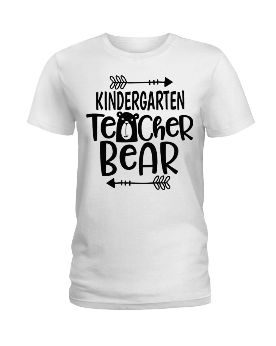 KINDERGARTEN TEACHER BEAR Ladies T-Shirt