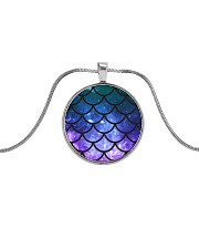 Mermaid Scales Metallic Circle Necklace thumbnail