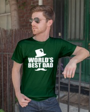 Fathers Day 2018 World Best Dad Classic T-Shirt lifestyle-mens-crewneck-front-2