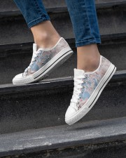 Cherry Blossom Women's Low Top White Shoes aos-complex-women-white-low-shoes-lifestyle-06